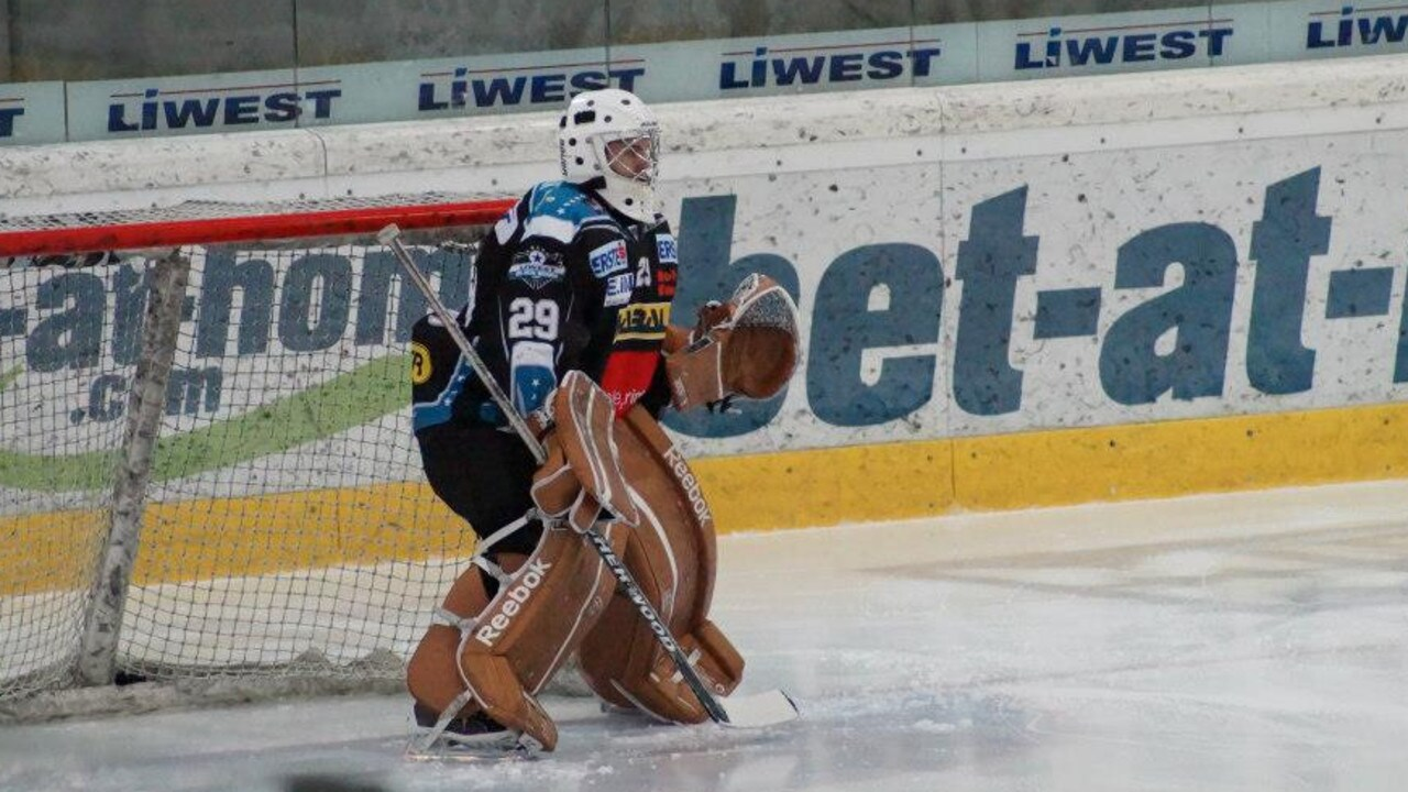 Kitzbuhel Austria Ice Hockey Star Boyfriend Among Five Ski