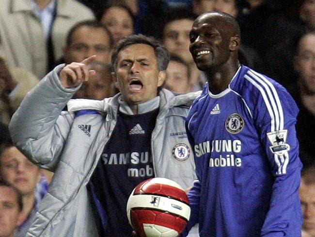 Jose Mourinho, left, flanked by Claude Makelele, right, in 2007.
