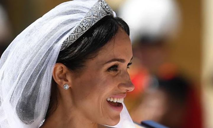 The sneaky royal hack for keeping a tiara in place