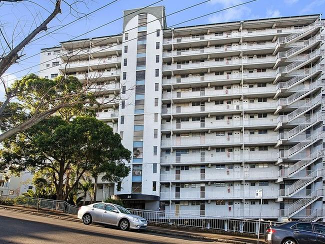 The property is $185 cheaper a week than the suburb's median rent. Picture: Central Sydney Realty