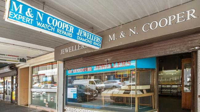 251 Barkly St, Footscray sold for $1.175 million.
