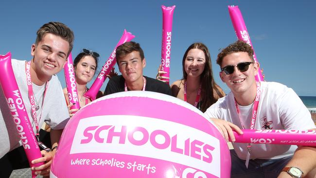 Schoolies ready to party. Left to right, Jarrod Findley 18, Tia Frater 17, Harper Gossling 17, Tyler McLaren 17, and Lachlan Jackson 17. Picture: Glenn Hampson