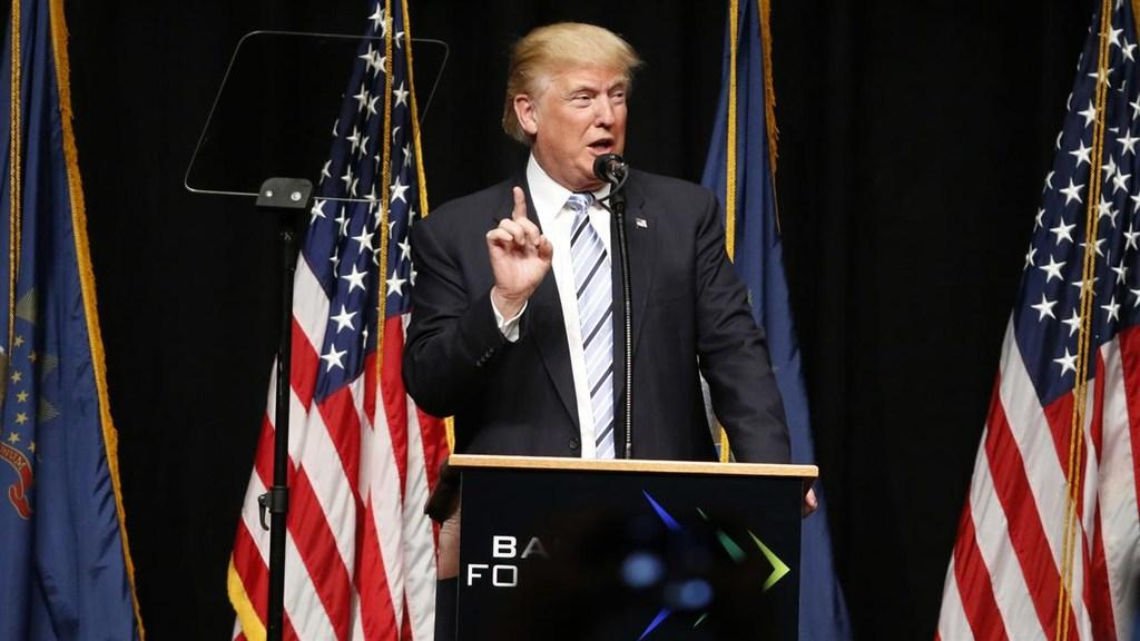 Trump Attacks Clinton on Energy Stance