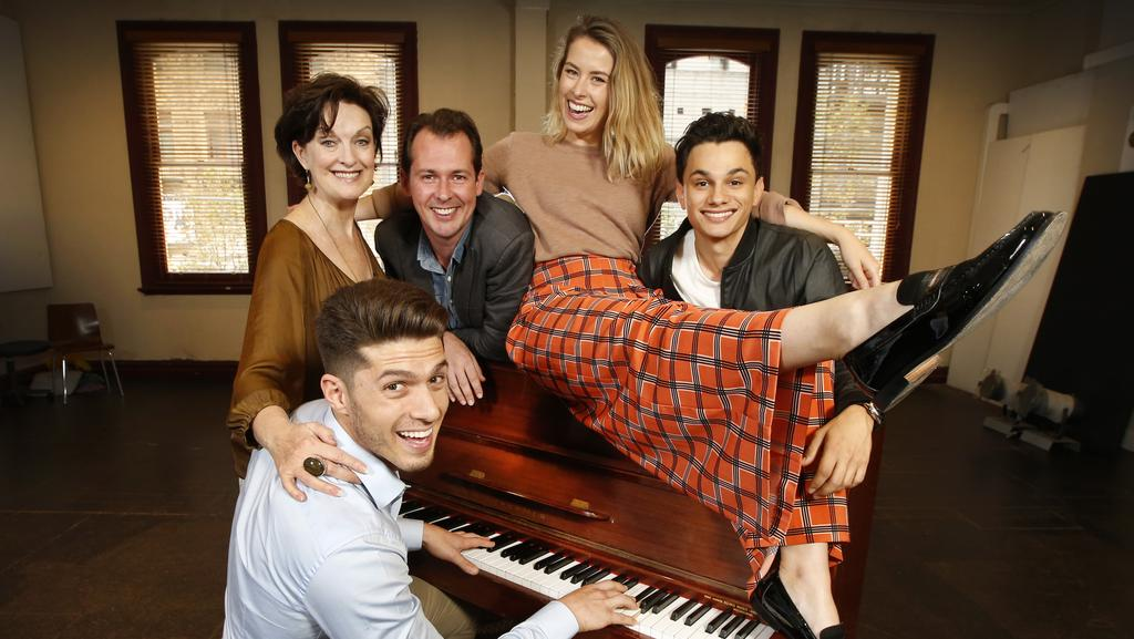 Beautiful: The Carole King Musical debuts in Sydney's Lyric ...